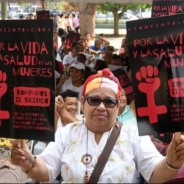 'Baztertuak, jarraituak, gartzelaratuak'. Abortuaren kriminalizazio absolutuaren eragina El Salvadorren